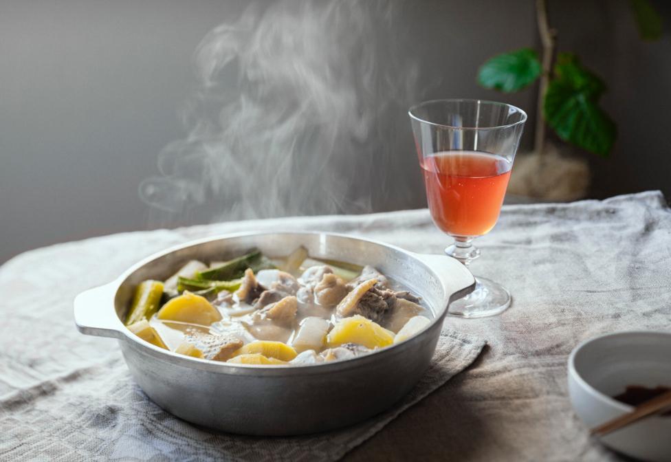 #2 韓国風鶏の水炊き×ロゼワイン