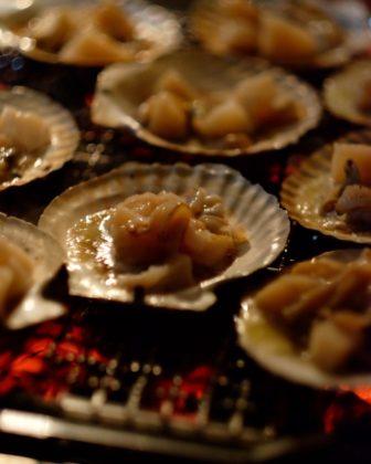 殻付きホタテのバター醤油焼き